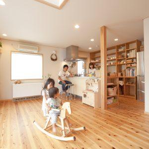 明るく開放的な大空間の家